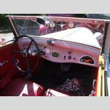 Autos /rosafarbener Oldtimer