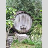 Holz /Holzfass im Garten
