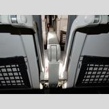 Flugzeuge /Zwischen den Stühlen / 01
