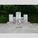 Reisen 3 /Ehrenfriedhof Cap Arcona / 02