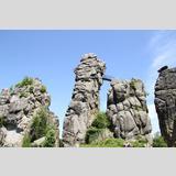Große Steine /Externsteine im Ganzen aus der Nähe