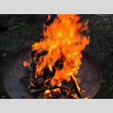 Holz /Feuer und Flamme