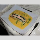 Fisch auf Gemüsebett /Lachs im Spinat - Blätterteig Mantel